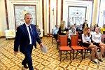 Советник-посланник Посольства РФ в Беларуси Вадим Гусев рассказал школьникам о дипломатической службе