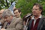 Алесь Адамович выступает на митинге в Лужниках – редкие архивные кадры