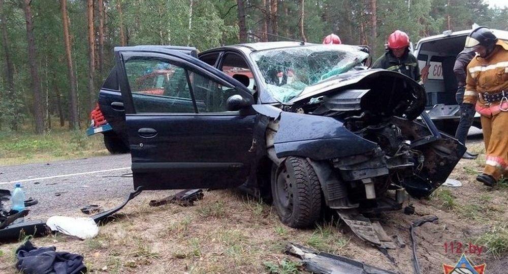 При лобовом столкновении легковых автомобилей под Рогачевом погибли три человека