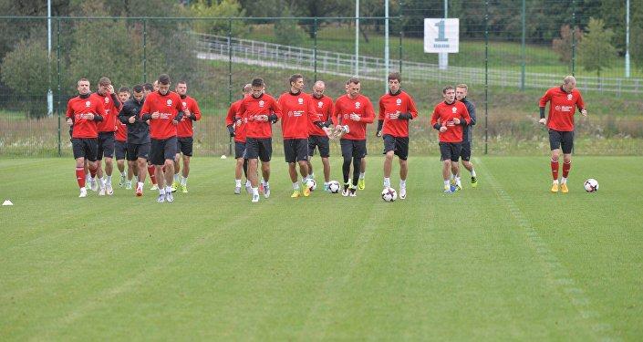 Сборная Беларуси по футболу на тренировке
