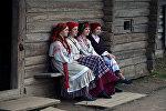 Белорусские девушки в народных костюмах