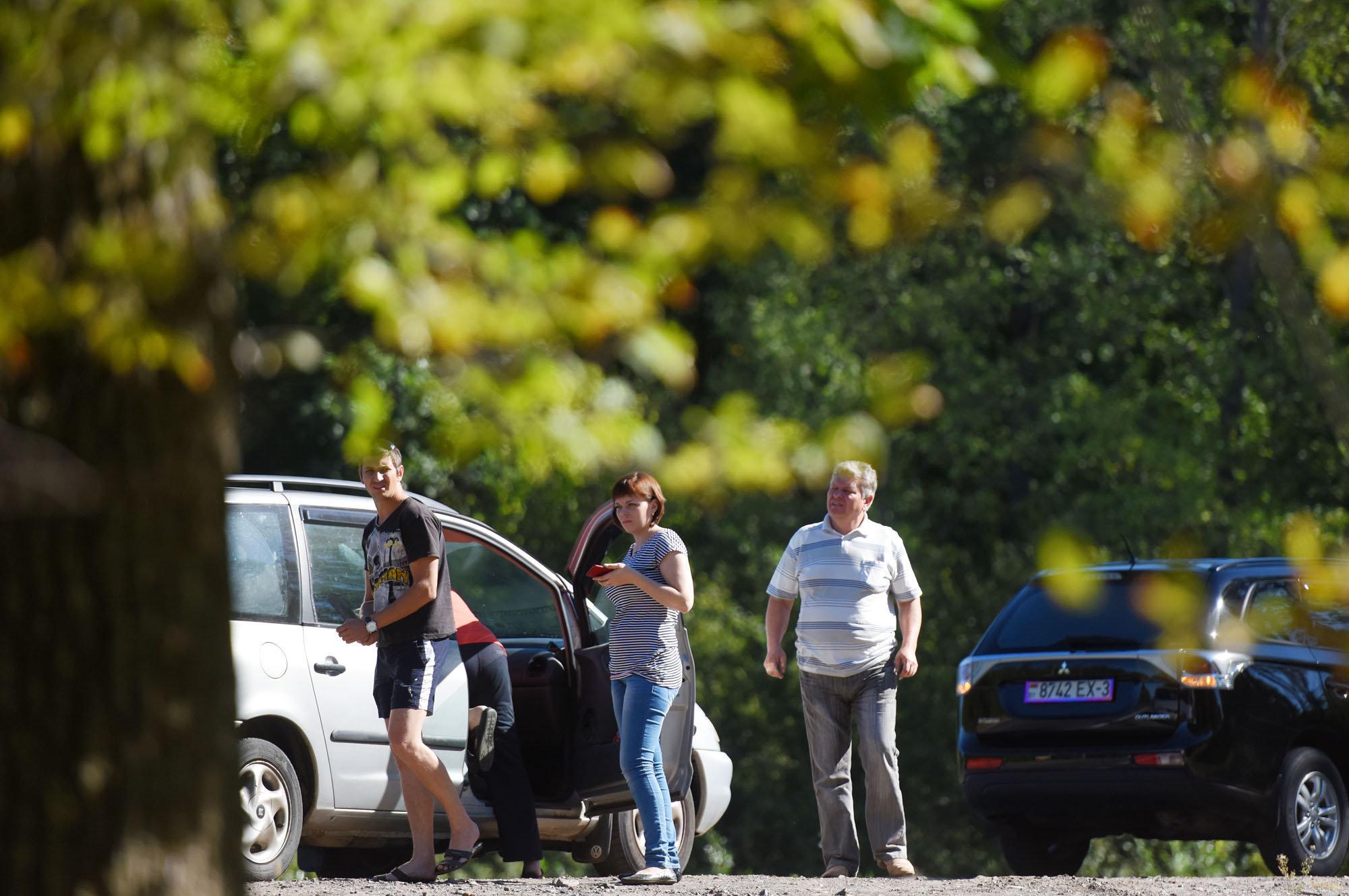 На педаль тормоза нажали одновременно водители двух машин. В одной из них – семья из Речицы.