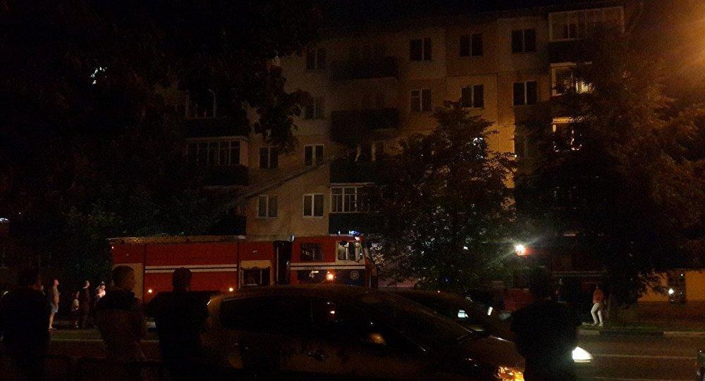 Впожаре вСолигорске умер пенсионер, 17 человек эвакуировали— МЧС