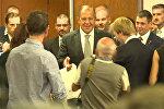 Водка от главы МИД – Лавров угостил журналистов на переговорах в Женеве