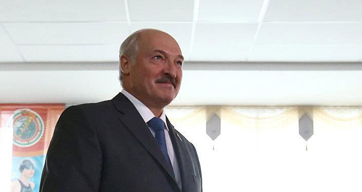 Александр Лукашенка ў дзень парламенцкіх выбараў