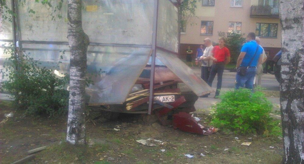 ВВитебске нетрезвый шофёр въехал востановку транспорта