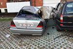 Фрагмент трубы, упавший на автомобиль в Скопье