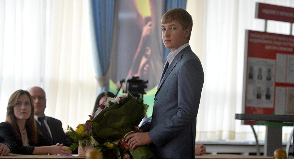 Николай Лукашенко во время голосования на парламентских выборах в Минске