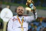 Андрей Праневич получает золото Рио-2016