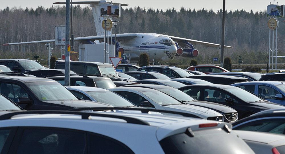 Новые правила аэропорта: бесплатно заехать наавтомобиле можно только 2 раза