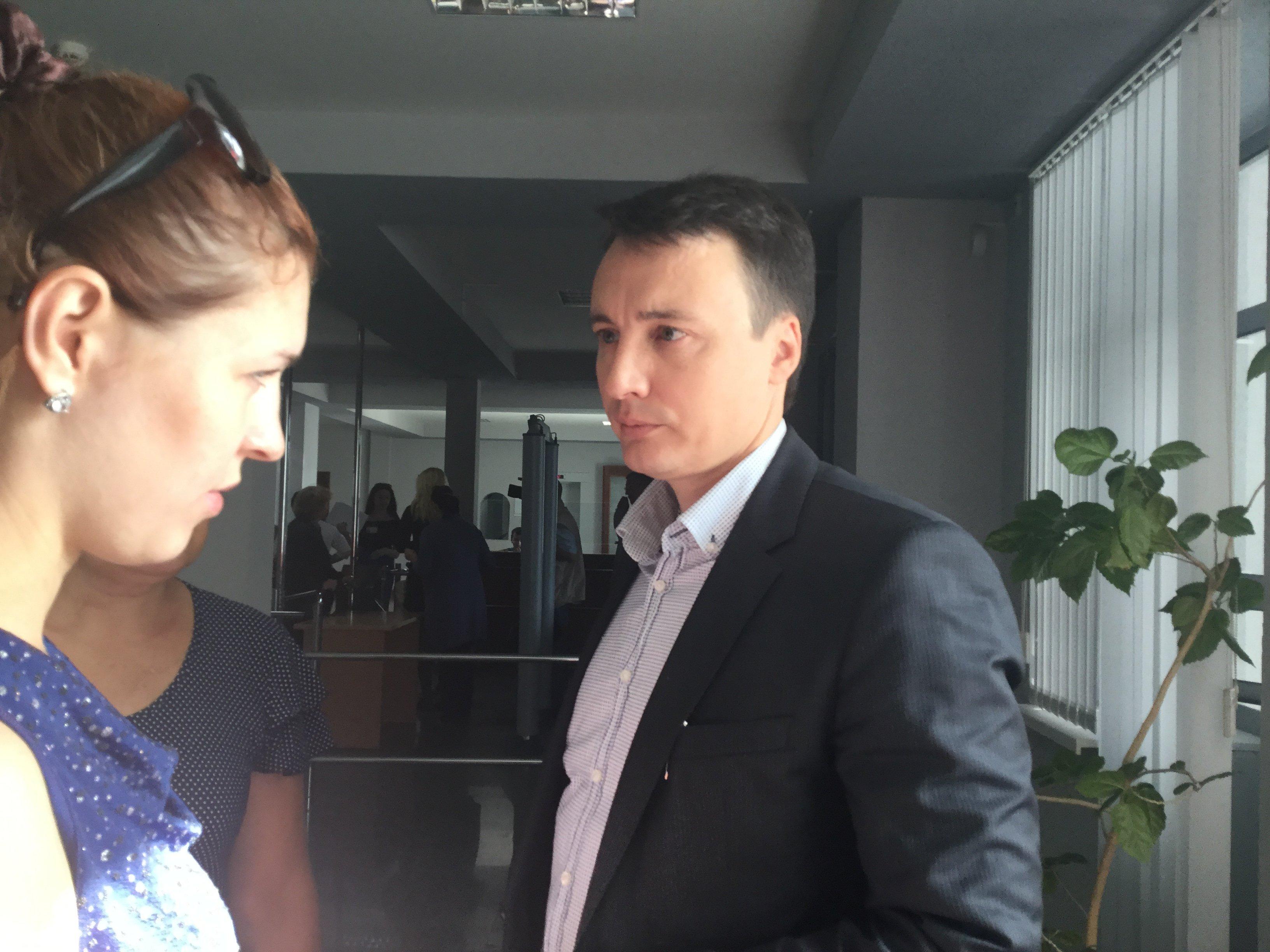 Адвокат Александр Галиев представляет в суде интересы матери Птичкина