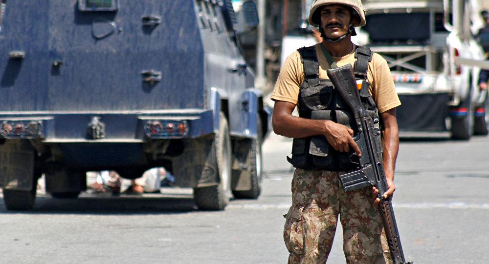 ВПакистане террорист-смертник убил минимум покрайней мере 16 человек вмечети