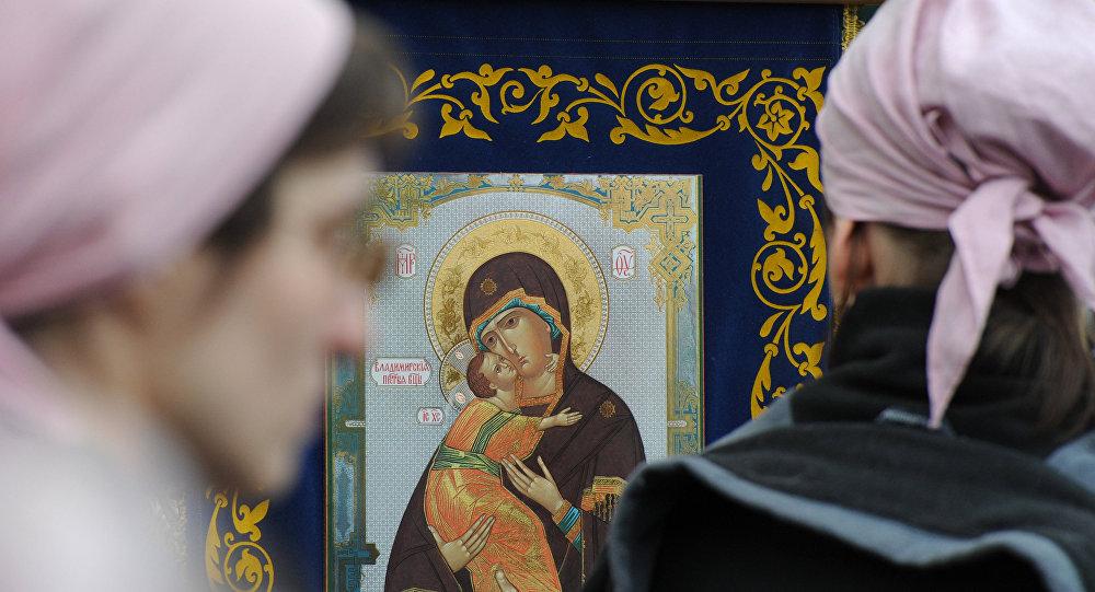 Православные южноуральцы отмечают Рождество Пресвятой Богородицы