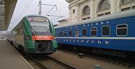 Поезда на ж/д станции. Архивное фото