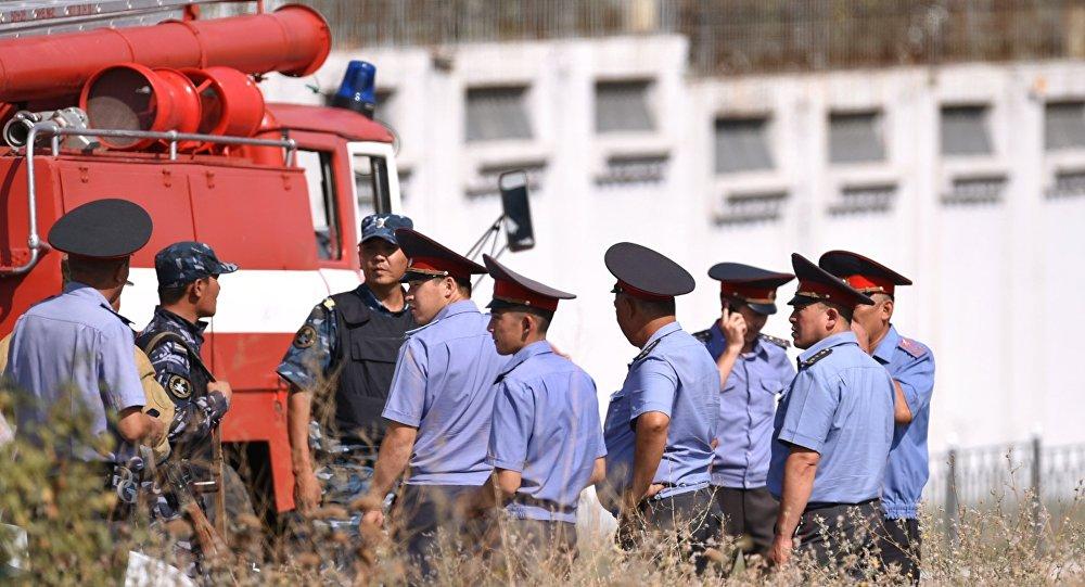 Киргизские силовики обезвредили два взрывных устройства вБишкеке