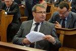 Министр финансов Беларусь Владимир Амарин на заседании по бюджету