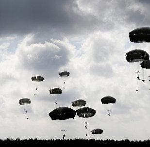 Американские десантники на учениях в Латвии
