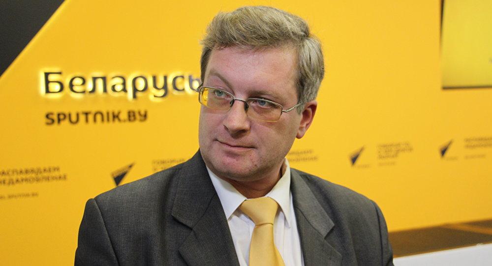 Политический аналитик Павел Потапейко