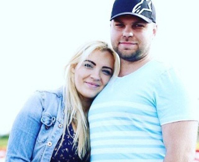Денис Слобода с женой