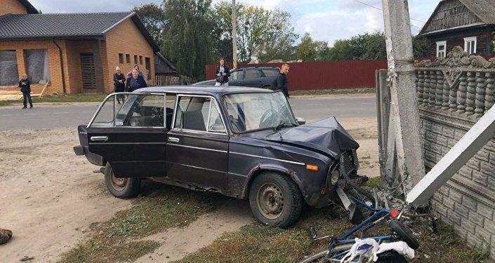 Лежавший надороге пешеход умер под колесами БМВ вМинском районе