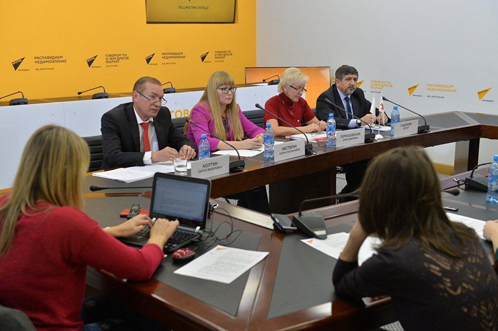 Эксперты и журналисты за круглым столом