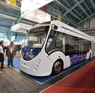 Электробус Е433 Белкоммунмаша на выставке в Минске