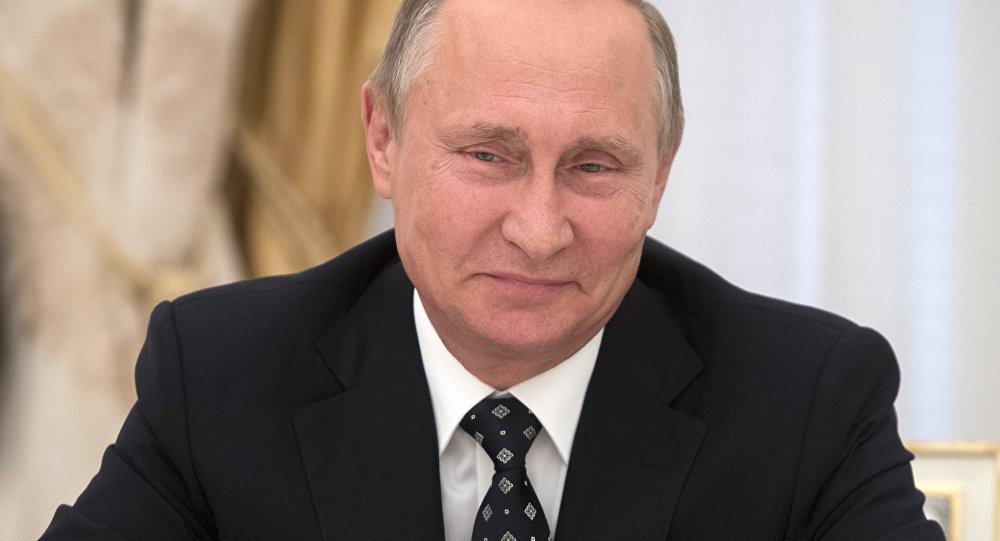 Путин дал совет учащимся спрезидентскими амбициями
