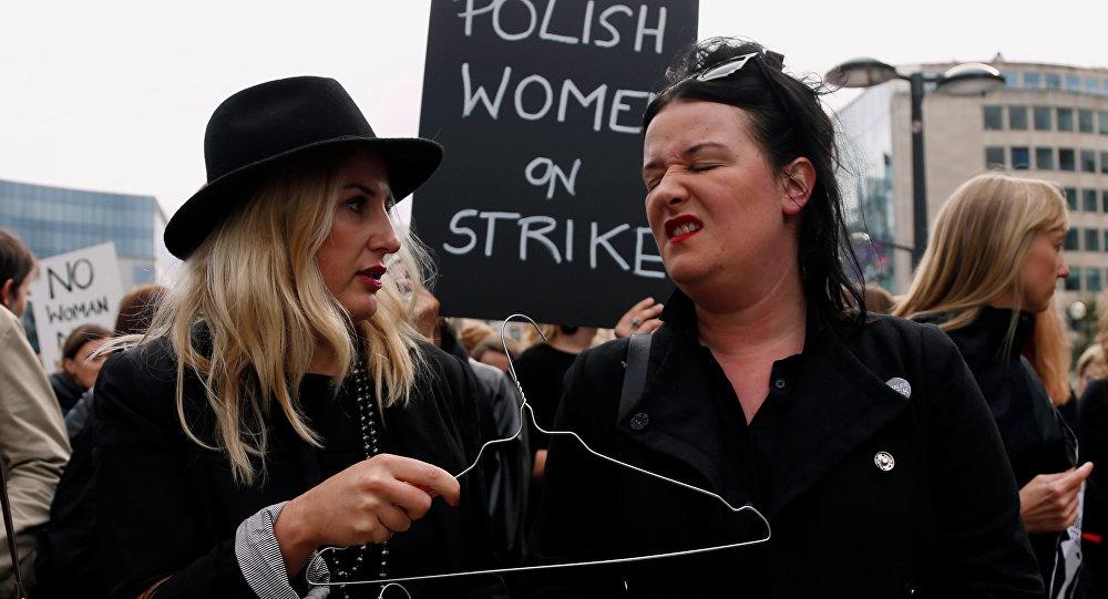 Парламент Польши отвергнул закон ополном запрете абортов