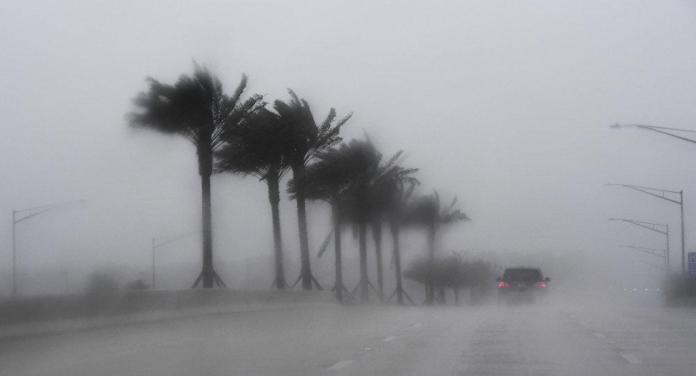 ВСША отменили практически 1,6 тысячи рейсов из-за приближения урагана «Мэттью»