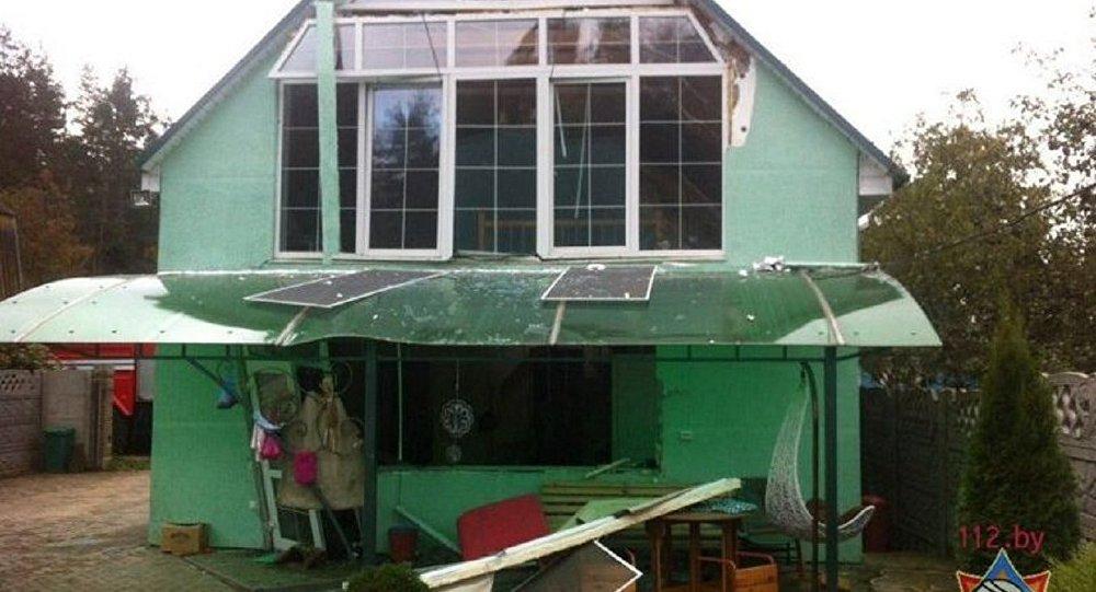 Разрушенный взрывом котла дом под Смолевичами непригоден для жизни