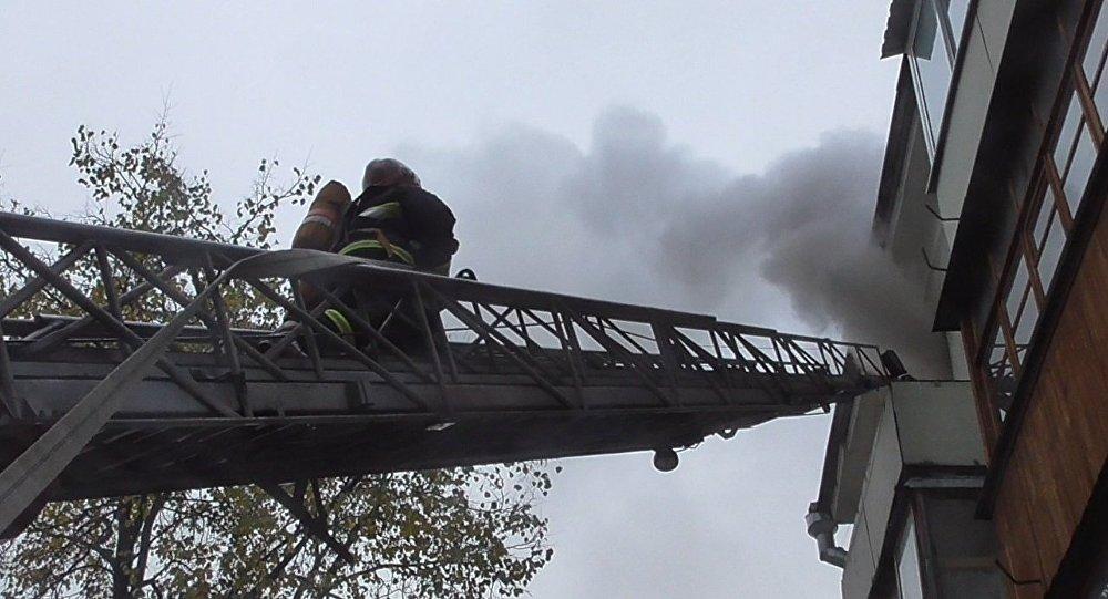 Напожаре вМинске сотрудники МЧС спасли женщину иэвакуировали 2 человека