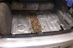 Контрабандный янтарь в автомобиле
