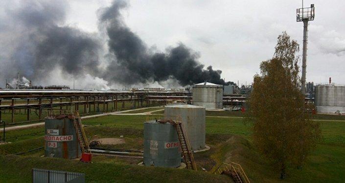 Cотрудники экстренных служб устранили пожар на«Нафтане», пострадавших нет