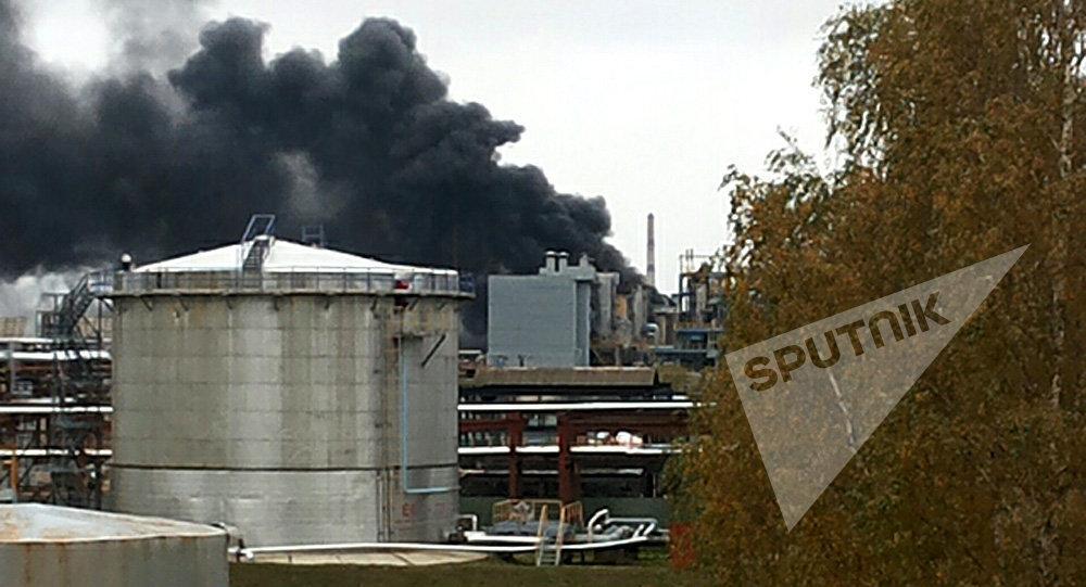 Пожар вмногоэтажном здании насосной на«Нафтане» потушили