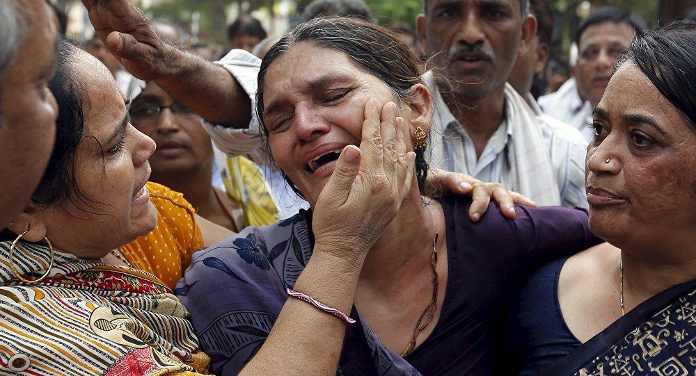 Толпа раздавила впроцессе религиозной церемонии вИндии 19 человек