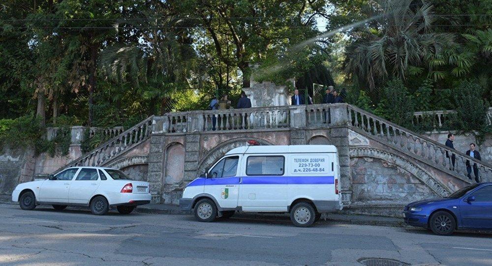 Бородатый мужчина подорвал себя уздания гостелерадиокомпании вАбхазии