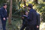 СПУТНИК_Мужчина подорвался около здания телерадиокомпании Абхазии. Кадры с места ЧП