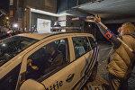 Полиция возле супермаркета, где были захвачены заложники