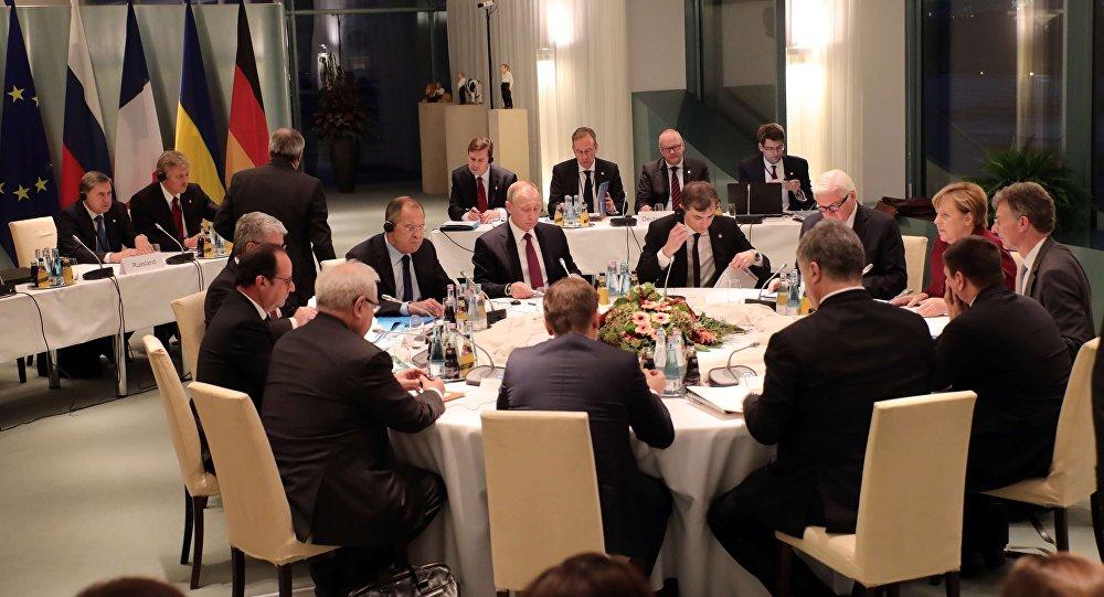 Путин поведал, кчему пришли стороны «нормандского саммита»