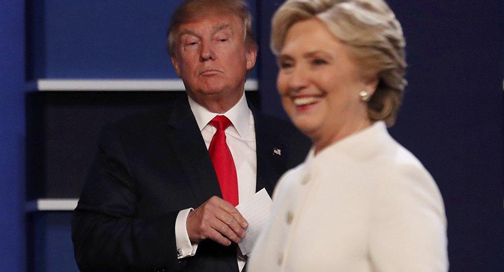 Клинтон увеличила отрыв отТрампа до12 процентов