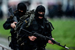 Сотрудники полиции в Новгороде