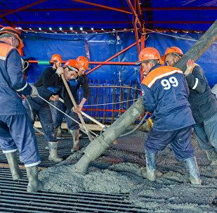 Строители сформировали первый участок плиты проезжей части Крымского моста