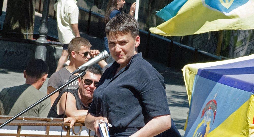 Надежда Савченко прибыла в столицу России насуд поКарпюку иКлыху