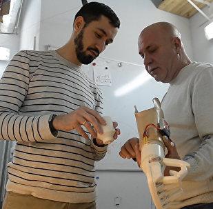 Белорусский программист создал для отца электромеханический протез