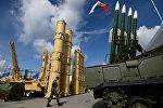 Зенитная ракетная система (ЗРС) Антей-2500 (слева) и зенитный ракетный комплекс (ЗРК) Бук-М2Э