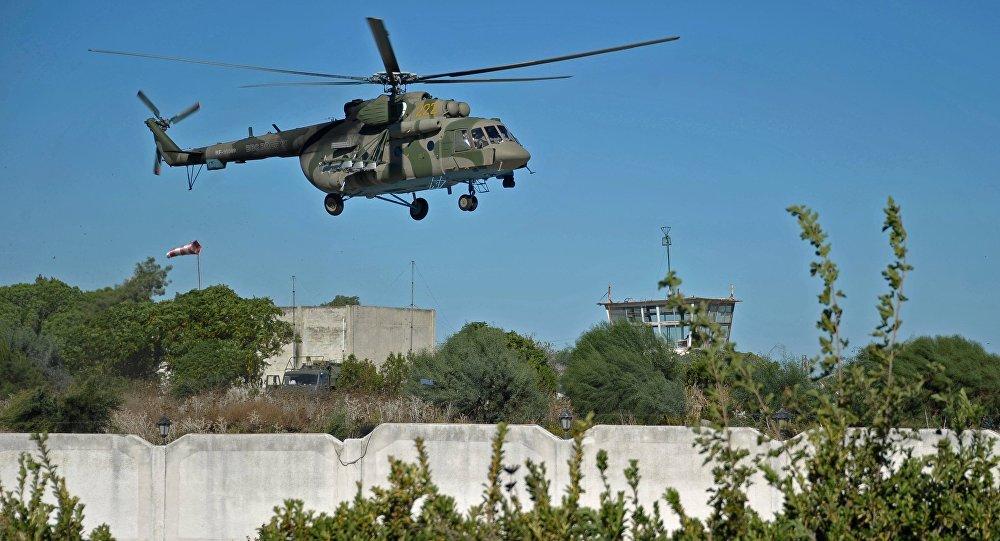 Экипаж русского вертолета непострадал при обстреле боевиками вСирии