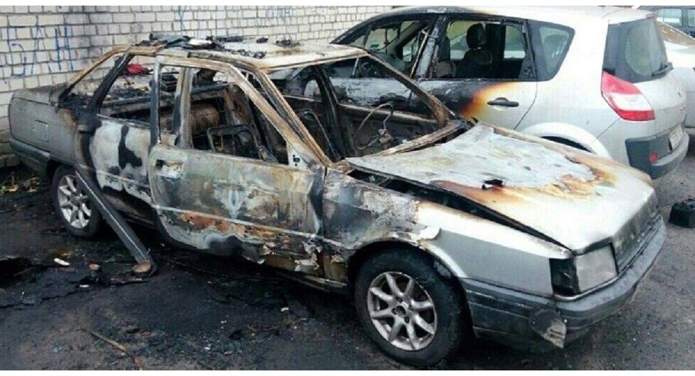 ВБресте мужчина поджег автомобиль своей бывшей. Сгорели еще два авто