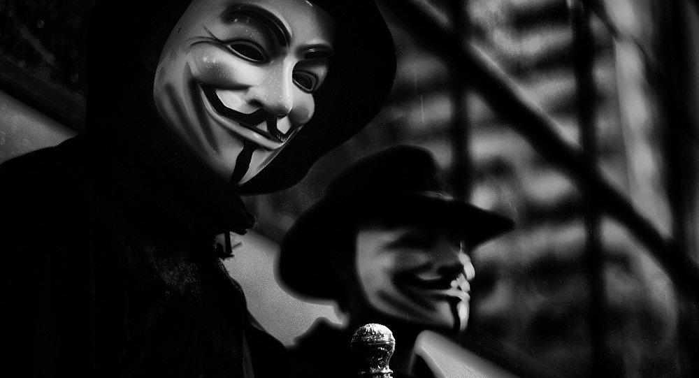 Маска Гая Фокса - символ хакерской группы Anonymous