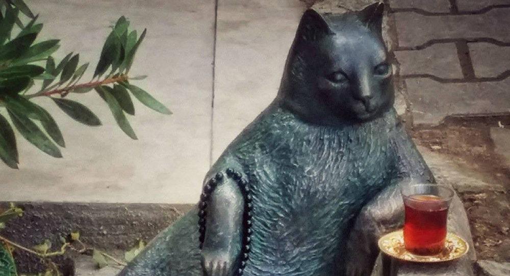Один изсамых известных монументов коту был похищен собочины дороги