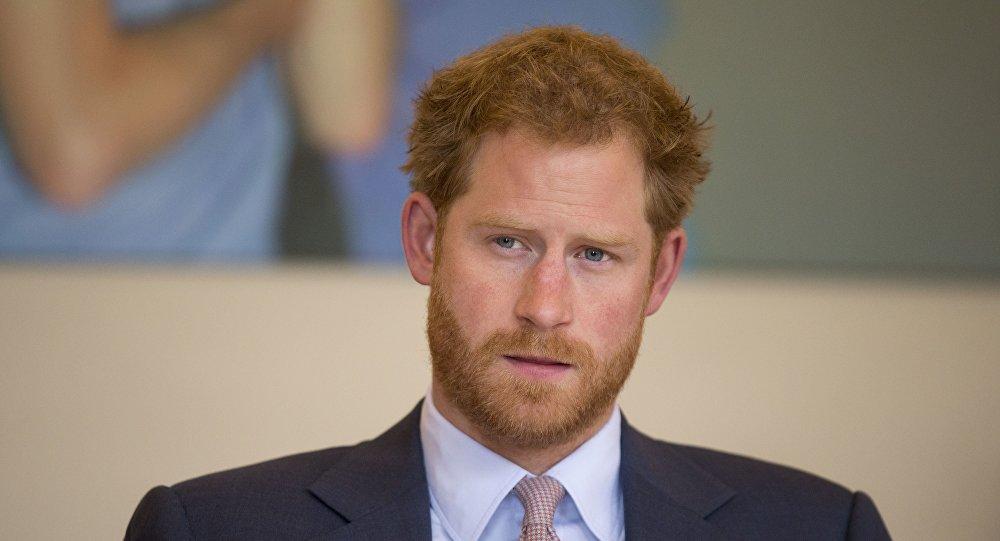 Появилось официальное объявление оромане принца Гарри иМеган Маркл